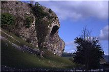SD9768 : Kilnsey Crag, Wharfedale by Colin Park