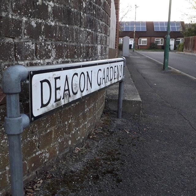 West Howe: Deacon Gardens