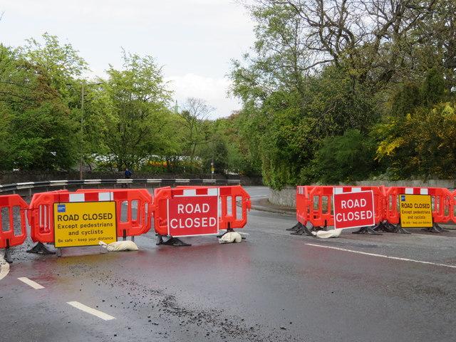 COVID-19 Road Closure © M J Richardson :: Geograph Britain and Ireland