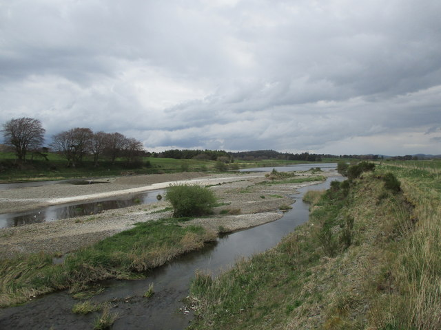Gravelly bed of the River Clyde