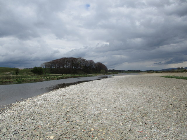 Gravel flats by the Clyde