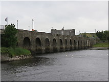 M9625 : Shannon  Bridge  built  1757  over  the  River  Shannon by Martin Dawes