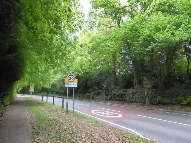 Haslemere town boundary inMidhurst Road