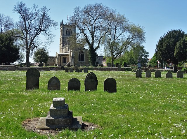 Approaching St Nicholas's Parish Church, Thorne