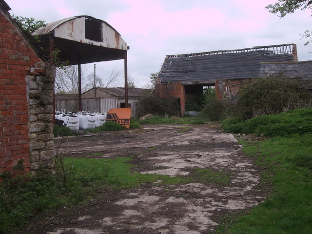 Derelict farm buildings, Parkgate Farm