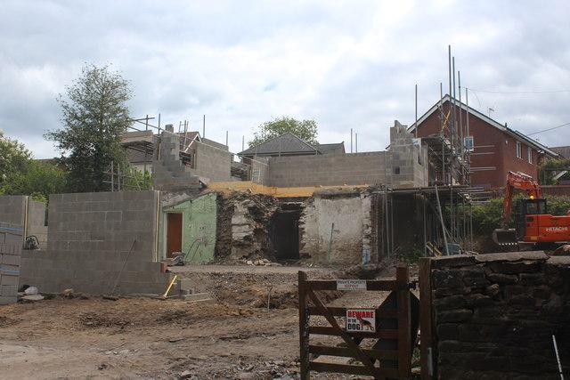 Rebuilding Pen-Rhiw Bengi Farm (2)