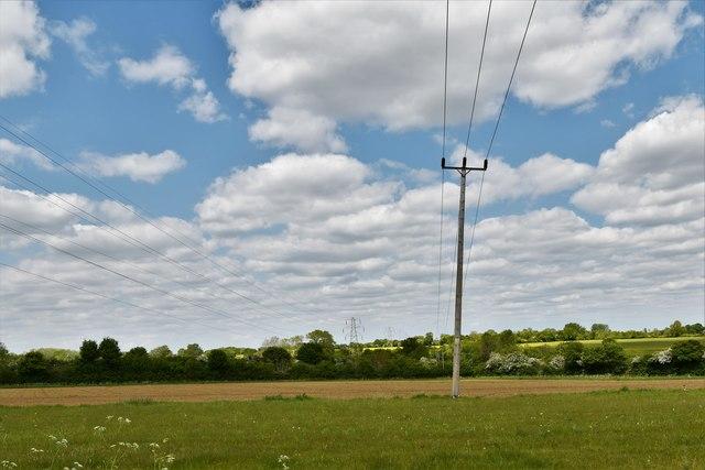 Brundish: Power lines