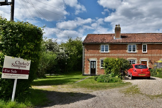 Maypole Green: Cottage for sale