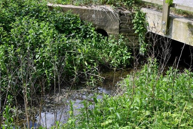 Tannington: Bridge over a small stream