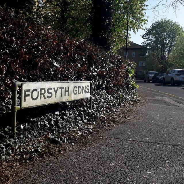 Ensbury Park: Forsyth Gardens