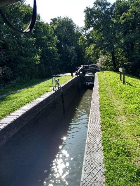 Boat entering Lapworth Bottom Lock