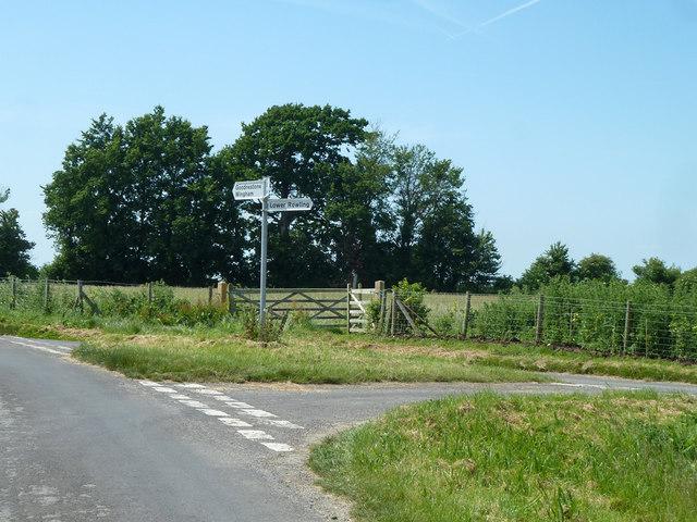 Lane junction west of Upper Rowling Farm
