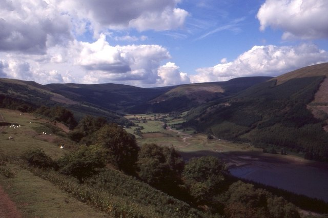 View into Cwm Collwm