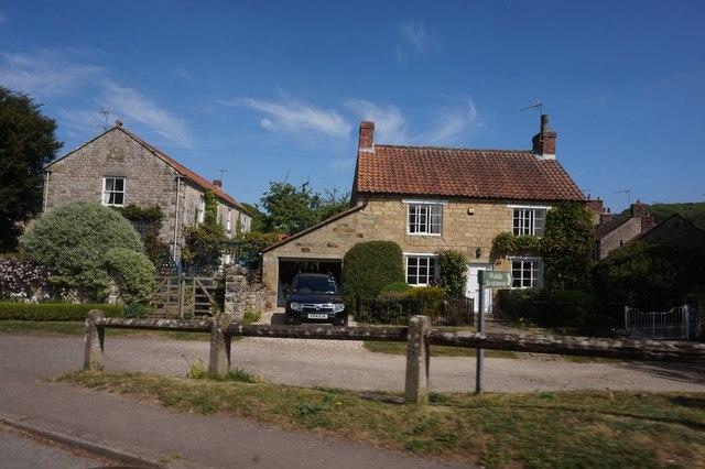 Houses on Main Street, Sinnington