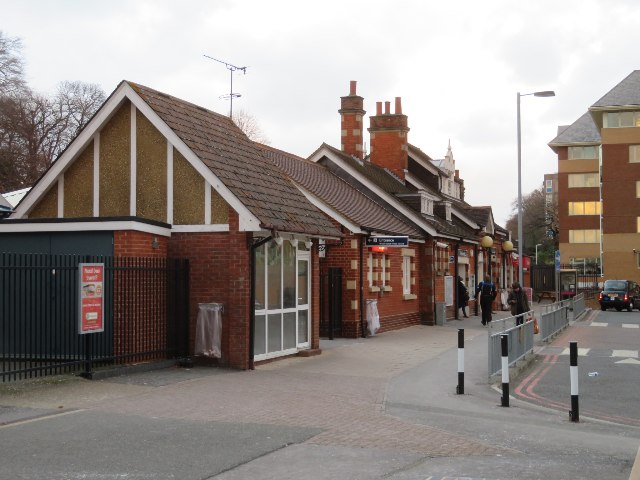 Farnborough Main station