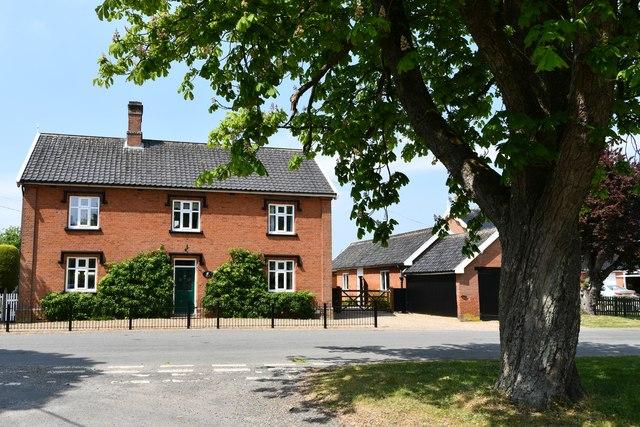 Thorpe Abbotts: Lion House