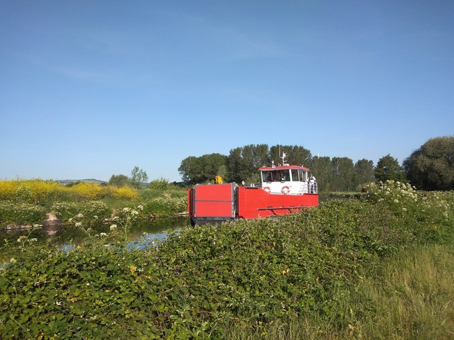 Small car ferry on Exeter Canal