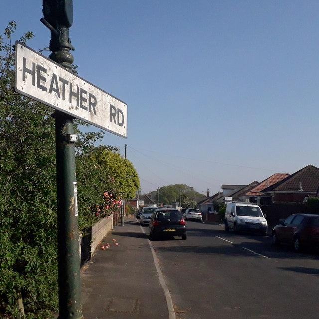 Ensbury Park: Heather Road