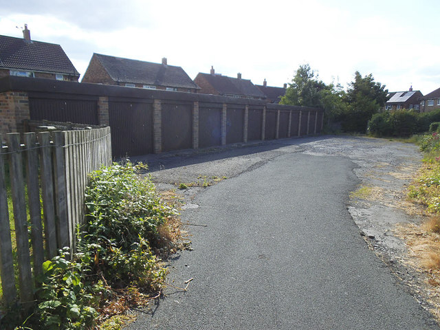 Lock-up garages, Old Farm Approach