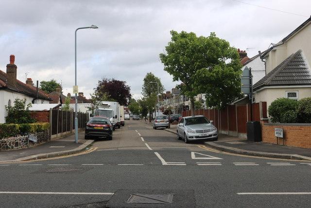 Lakeside Avenue, Redbridge