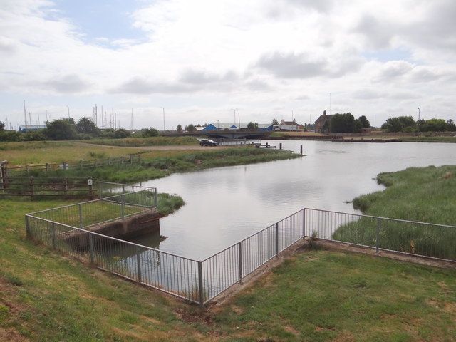 Inlet, slipway and Fosdyke Bridge