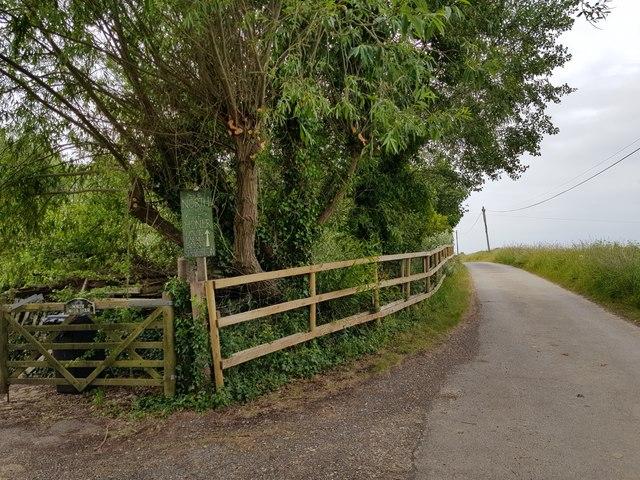 Honer Lane, by North Honer Farm, South Mundham
