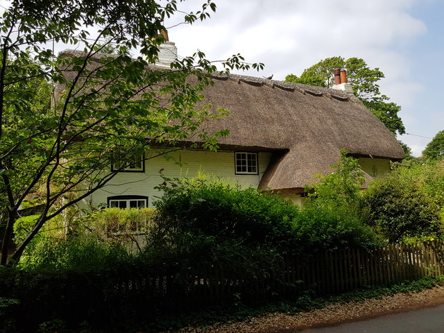 Thatched cottage in Runcton, West Sussex