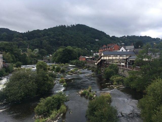 Afon Dyfrdwy River Dee, Llangollen