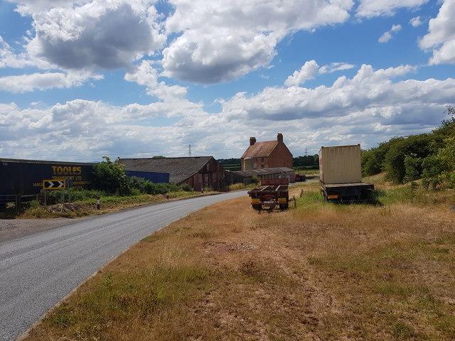 Wallhouse Farm on the bend of Wallhouse Lane