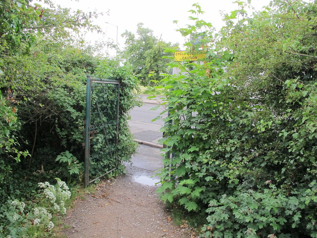 Public footpath entrance from Park Road, B483