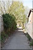 TQ5841 : Footpath off St John's Rd by N Chadwick