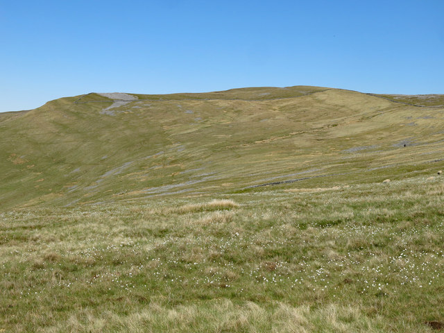 Moorland bowl south of Meg's Cairn