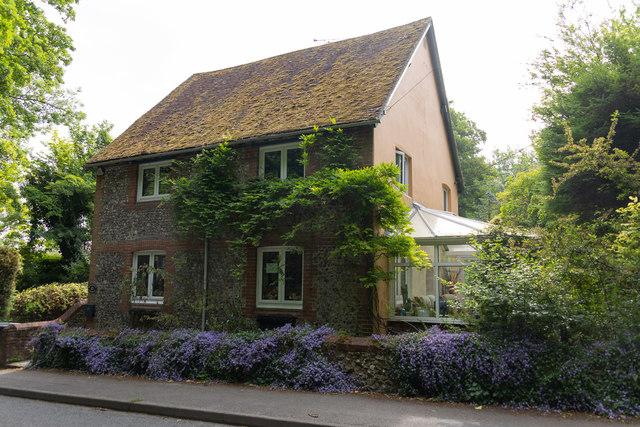 Waterside Cottage, Worthy Road