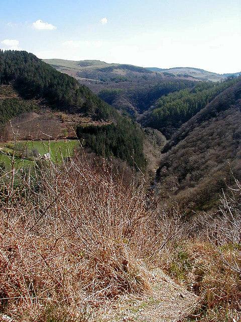 A view along Cwm Rheidol from Ty'n-y-castell