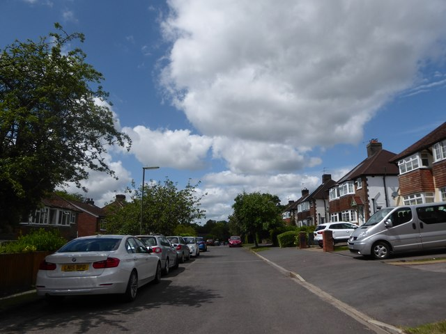 Parked cars in Sunvale Avenue