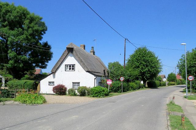 Haslingfield: thatch on Church Street