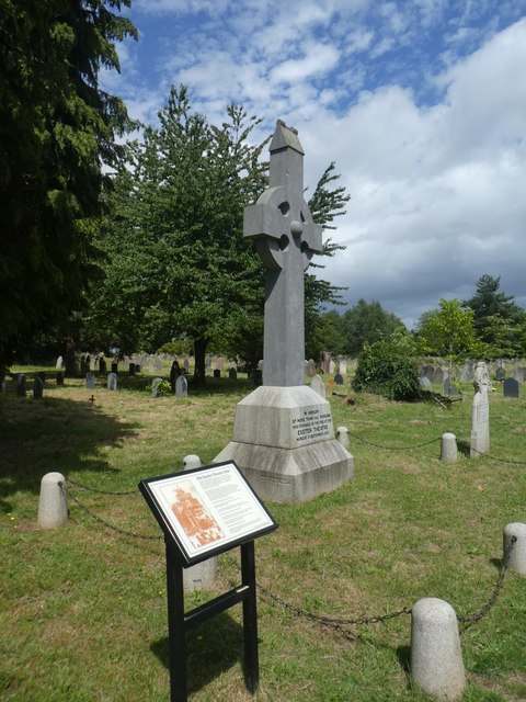 Exeter Theatre Fire Memorial, Higher Cemetery