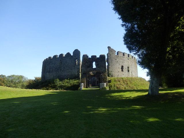 Approach to Restormel Castle