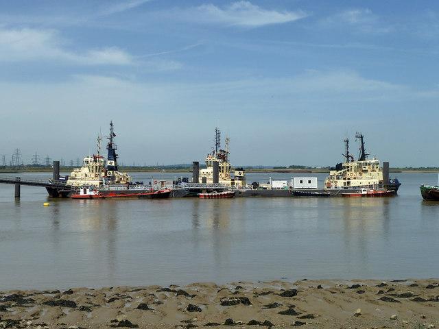 Tugs moored off the PLA pier, Denton
