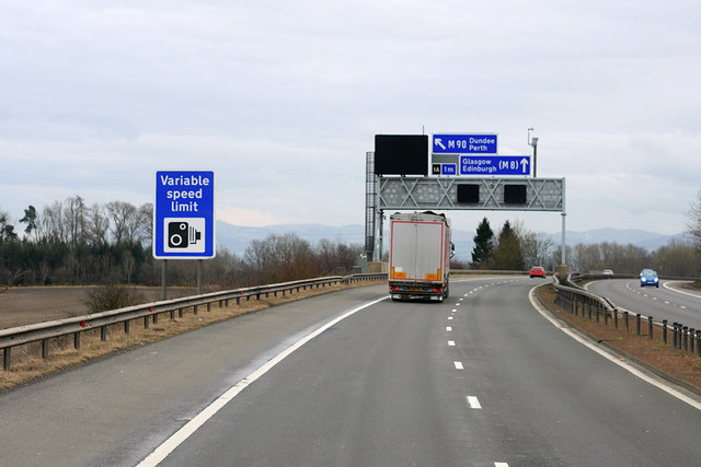 Sign Gantry over the Eastbound M9