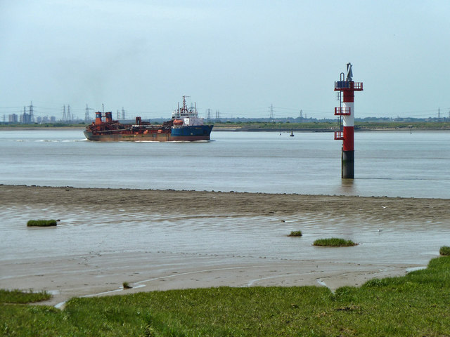 Suction dredger 'Arco Axe' heads downriver