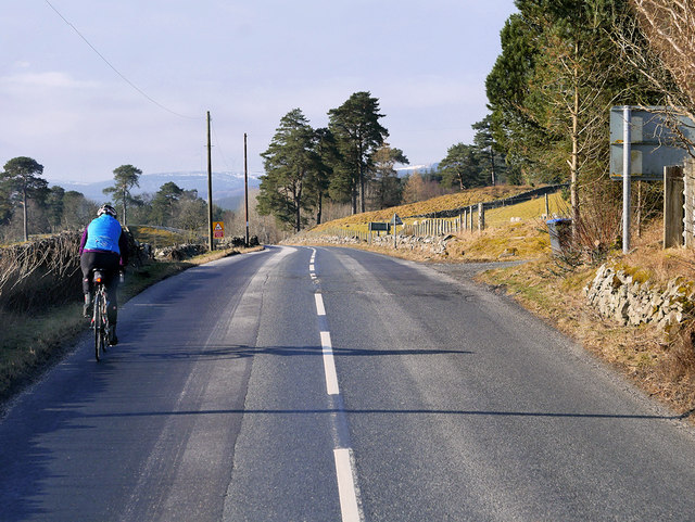 Cyclist on the A701 at Tweedsmuir