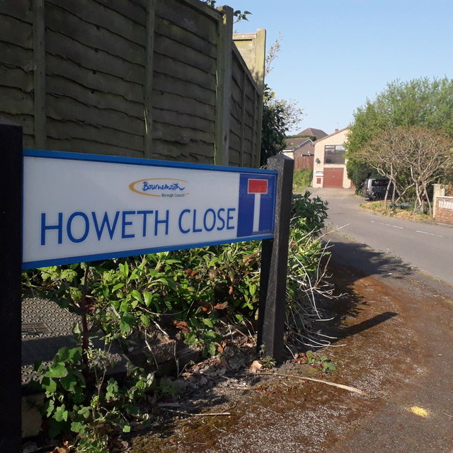 Ensbury Park: Howeth Close