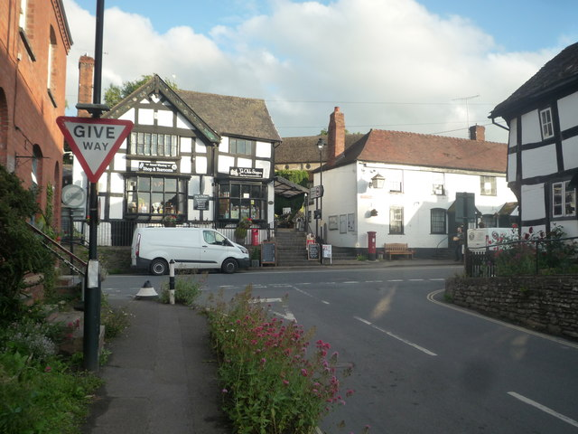 Ye Olde Steppes and the Red Lion Inn (Pembridge)