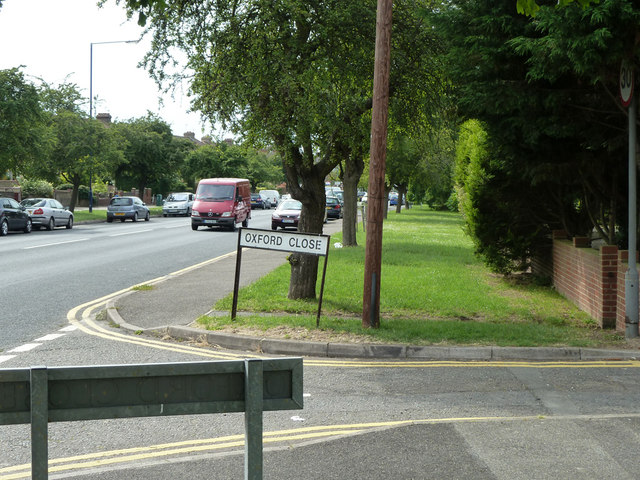A226 Rochester Road by Oxford Close