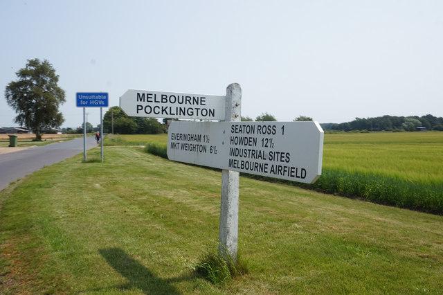 Road sign on Everingham Road at Rytham Gate