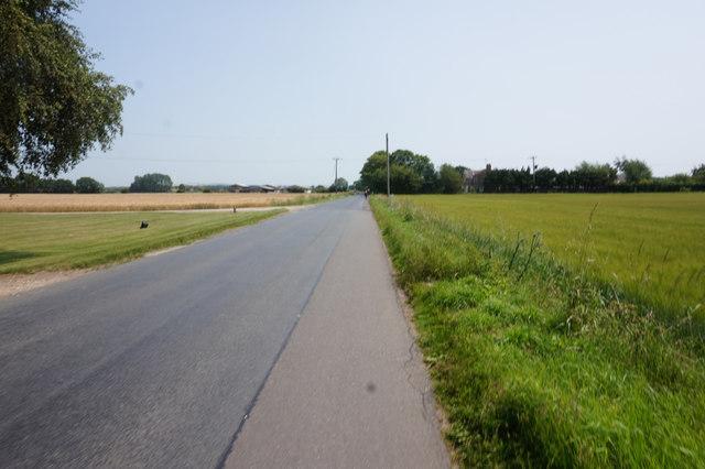 Everingham Road towards Rythamgate House