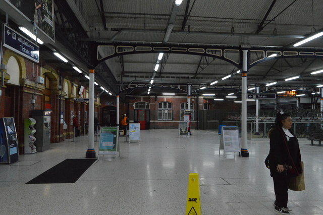 Portsmouth & Southsea Station - inside