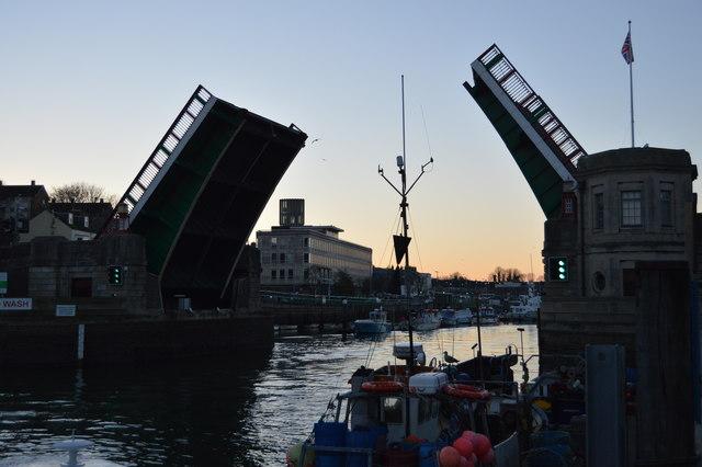 Town Bridge - open