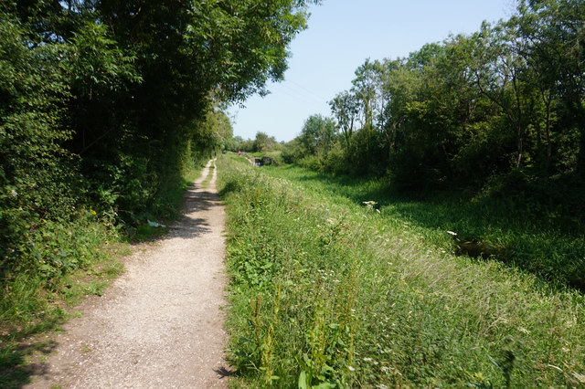 Wilberforce Way towards Giles Lock